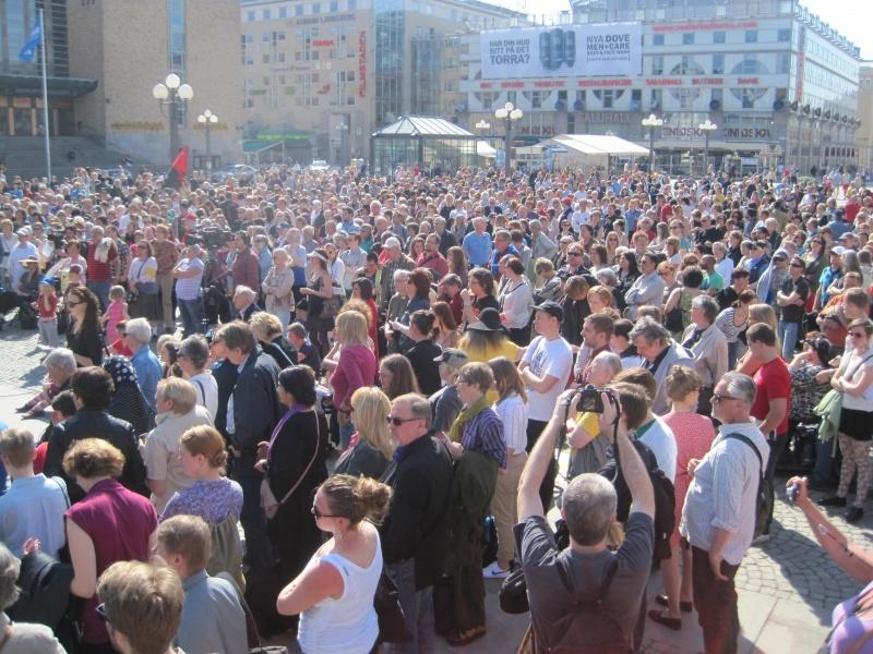 Från Solsosuppropet (tidigare Påskuppropet) 2011 på Medborgarplatsen