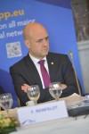 Vem ska man lita på? Ingen gissade på Reinfeldt!