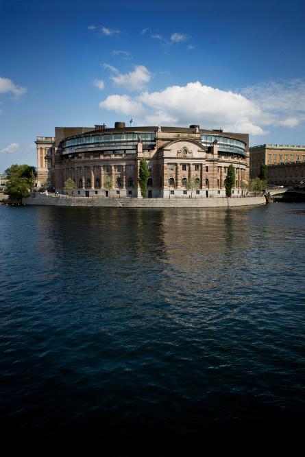 riksdagshuset-20091204HJL_1 (1)