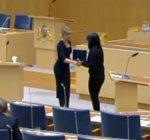 Debatten mellan Dinamarca och Strandhäll om sjukförsäkringen.